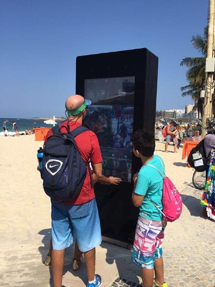 Tablet gigante português chega a Copacabana