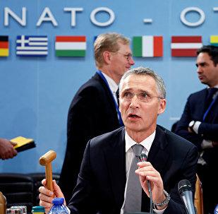 Secretário-geral da OTAN, Jens Stoltenbeg, chefiando reunião dos ministros da Defesa dos países-membros da aliança em Bruxelas (arquivo)