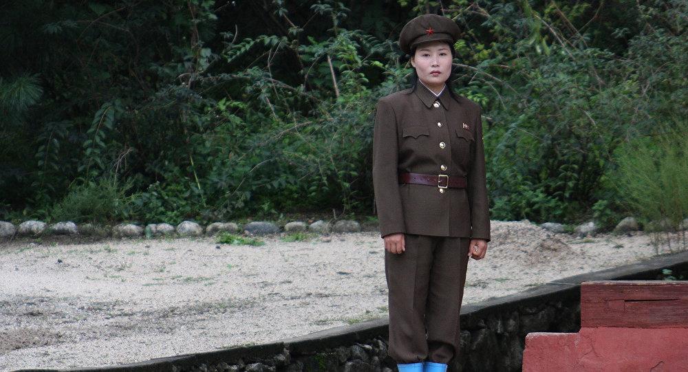 Mulher-soldado na Coreia do Norte