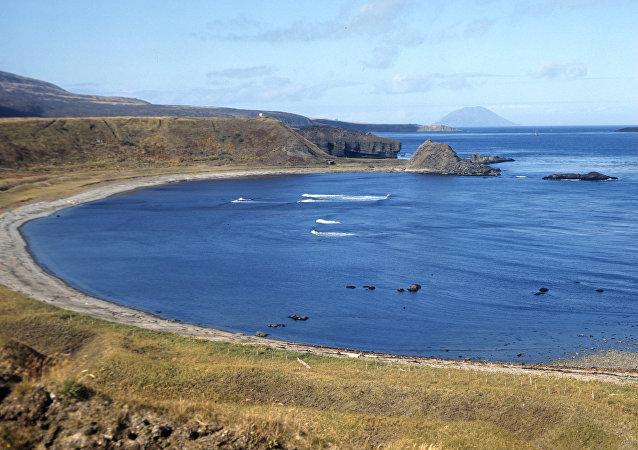 Vista da ilha de Matua, nas Ilhas Curilas