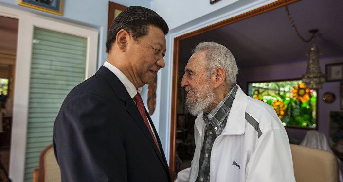 O presidente da China, Xi Jinping, com Fidel Castro, em 2014, na cidade de Havana