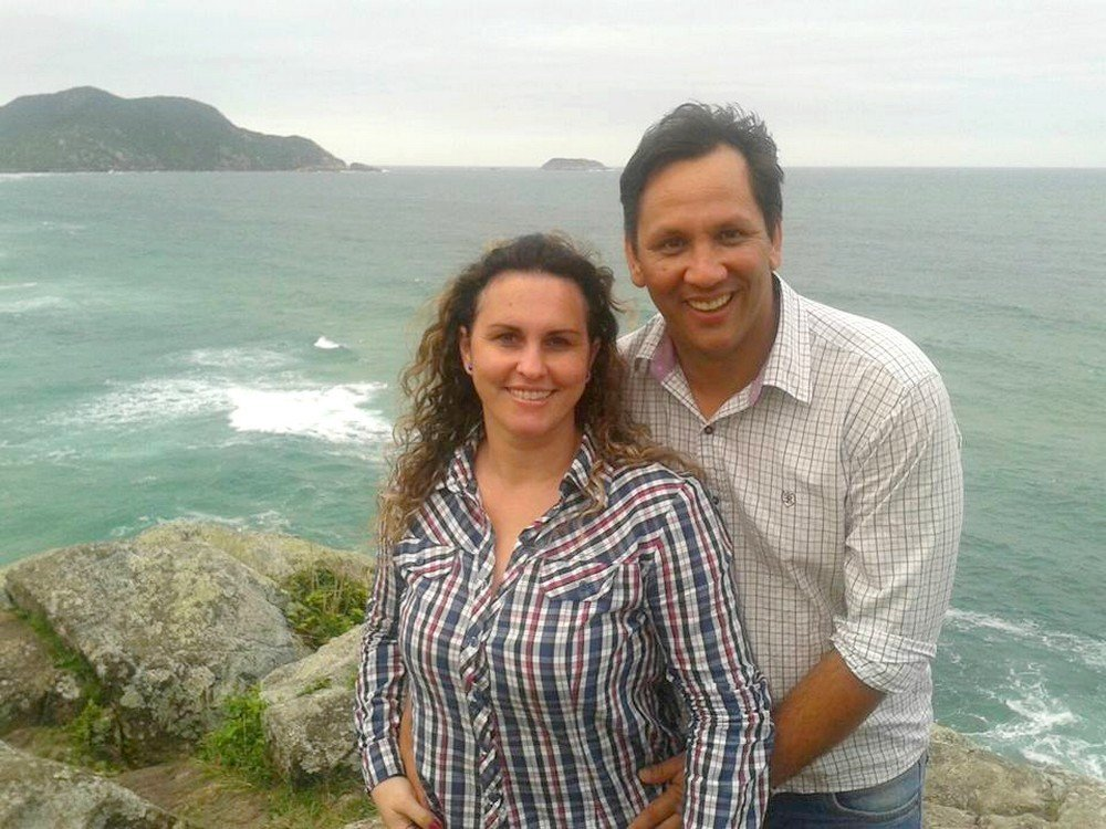 Edson Ebeliny com a mulher Roberta