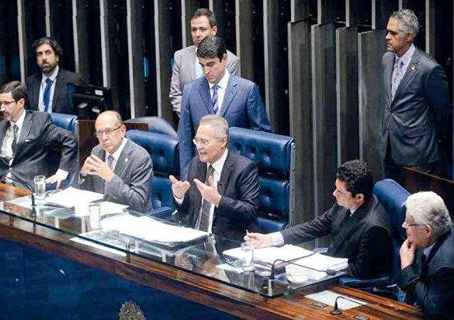 Silvio Rocha, Gilmar Mendes, Renan Calheiros, Sérgio Moro e Roberto Requião debatem na segunda sessão sobre o projeto