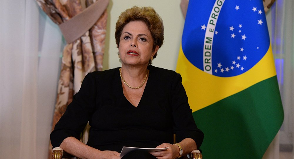 Ex-presidente do Brasil, Dilma Rousseff, durante um encontro com opresidente russo, Vladimir Putin
