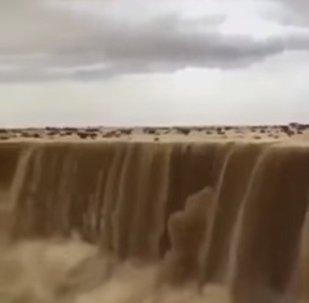 Cascata de areia na Arábia Saudita