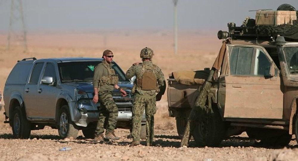 Militares americanos durante operação perto de Raqqa, foto de arquivo