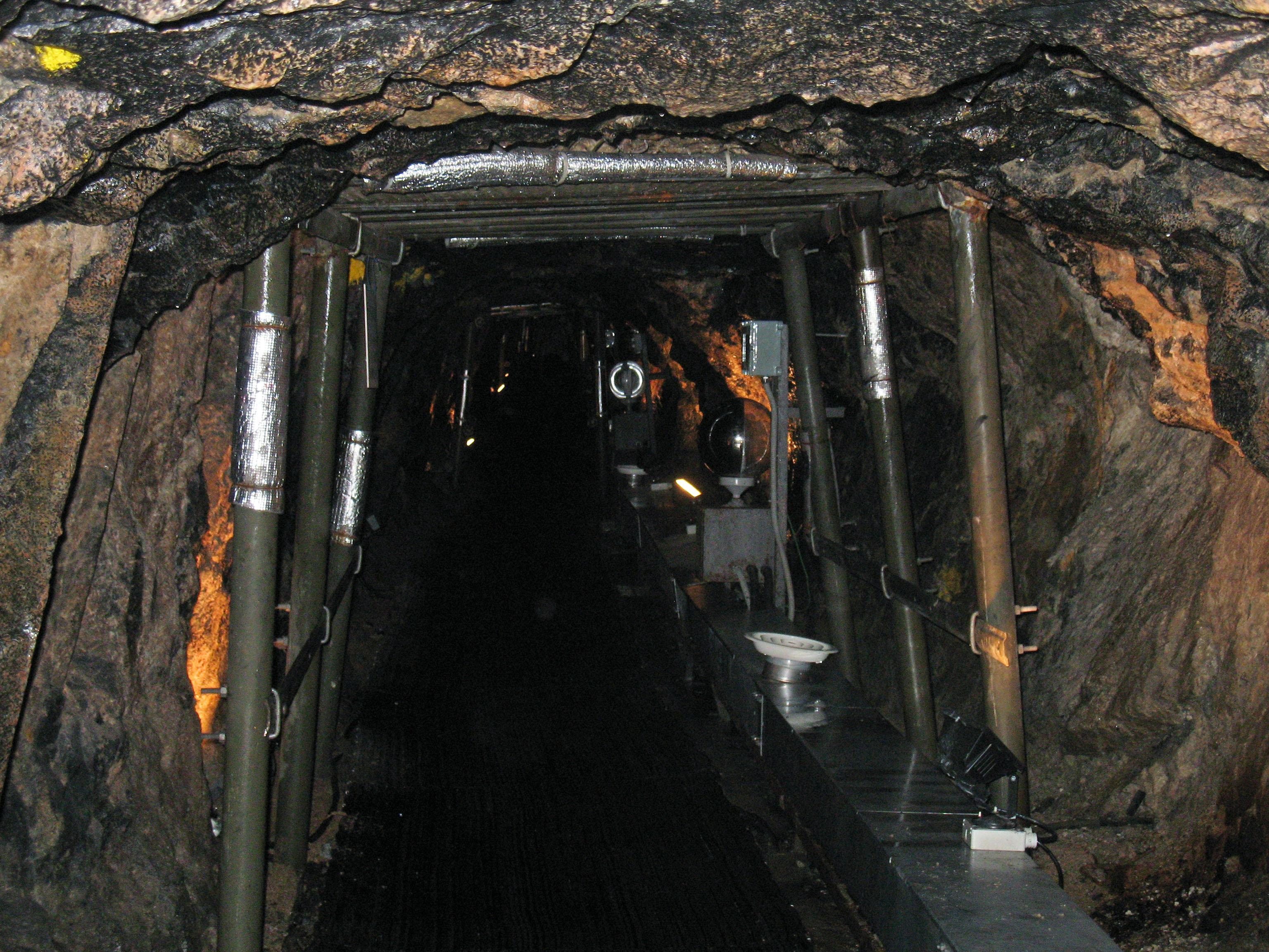 Entrada de um túnel de invasão sob a zona desmilitarizada entre a Coreia do Sul e a Coreia do Norte, em 27 de setembro de 2006