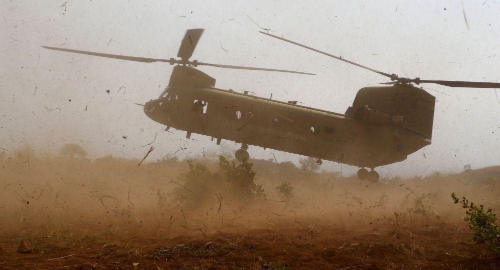 Helicóptero militar CH-47 Chinook