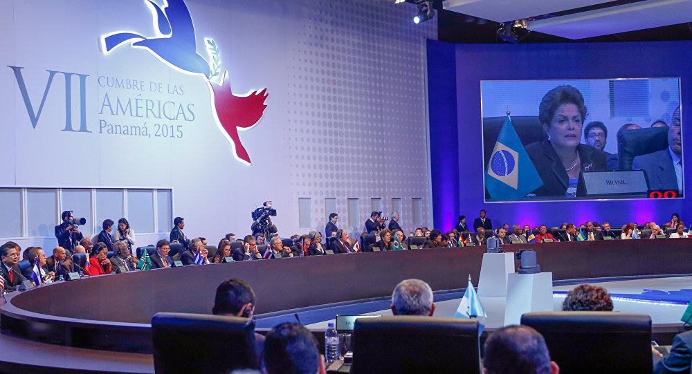 Dilma Rousseff discursa durante a 7ª Cúpula das Américas