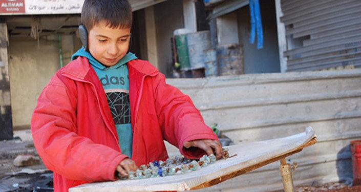 Após a libertação de Aleppo - crianças nas ruas da cidade