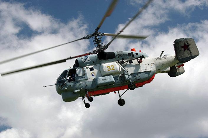 Helicóptero russo Ka-27 durante cumprimento de missão