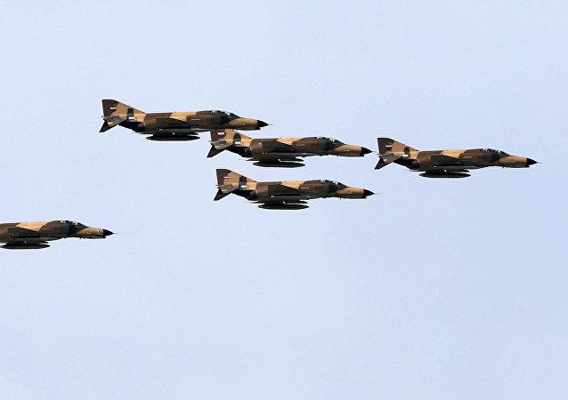 Caças iranianos F-4