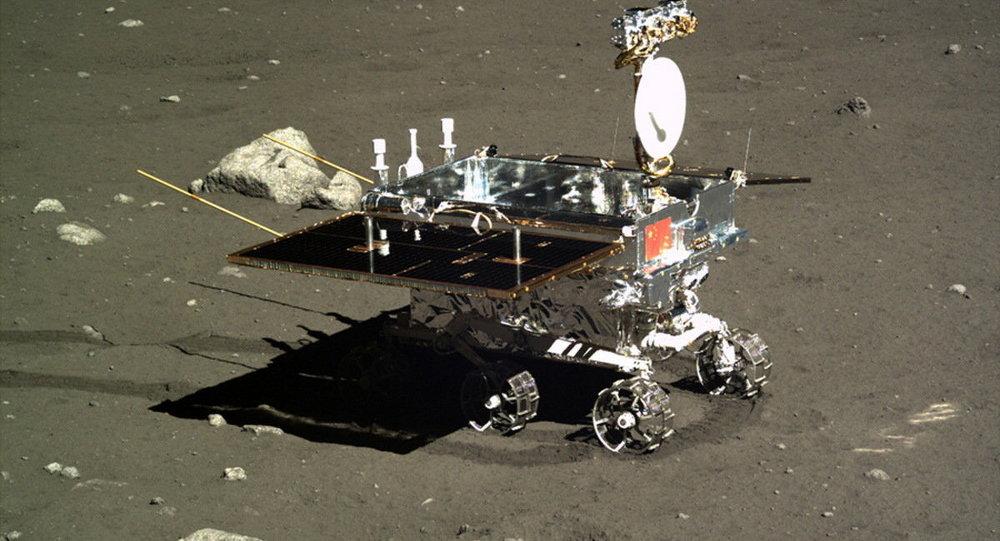 Rover planetário chinês Yutu, imagem tirada pela sonda Chang'e