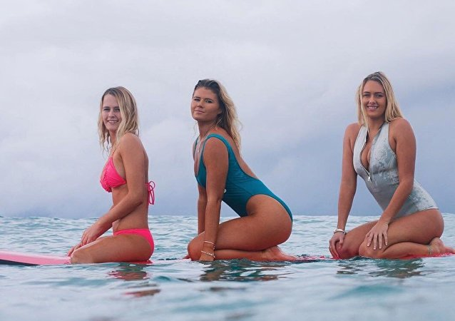 As irmãs Coffey, surfistas profissionais