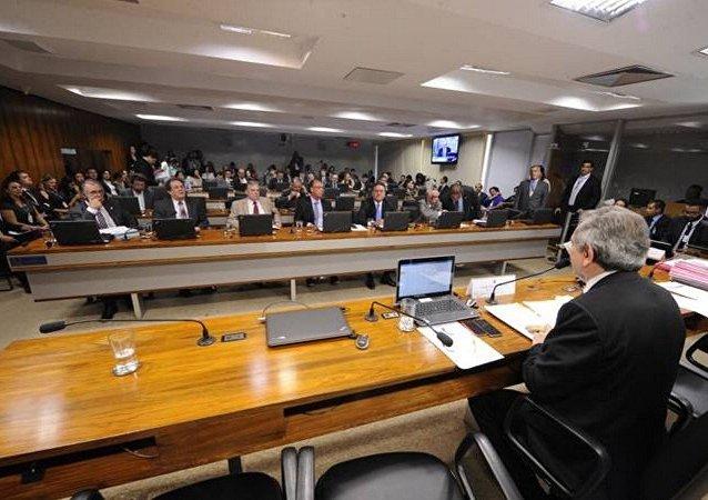Sessão na Comissão de Assuntos Econômicos do Senado