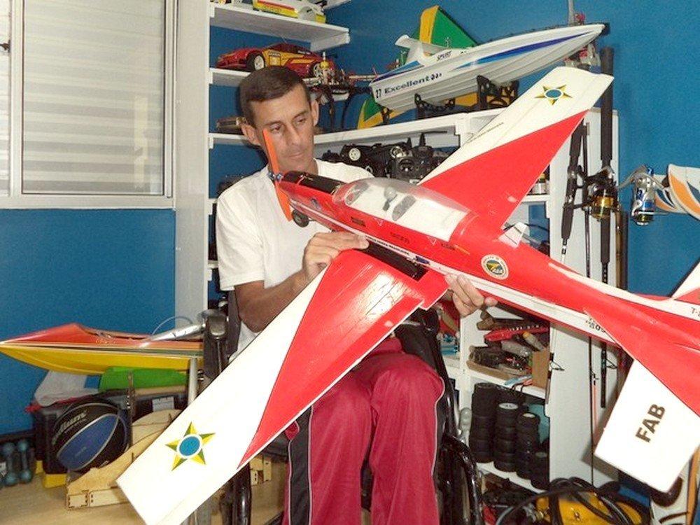 Além de motocicletas, Alexandre tem também a paixão por Aeromodelismo e drones