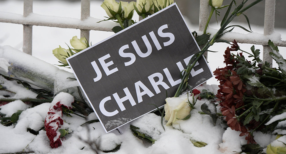 Solidariedade às vítimas do massacre do Charlie Hebdo