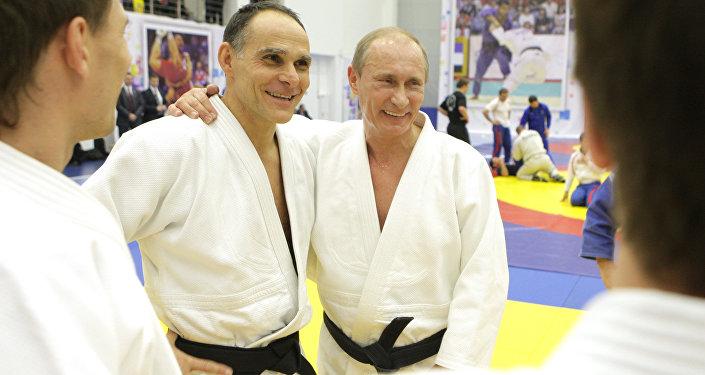 Em janeiro de 2016, o principal técnico da equipe russa de judô, o italiano Ezio Gamba, virou cidadão russo.