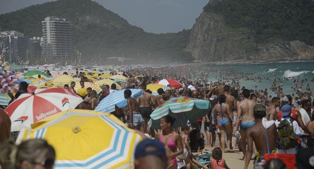 Brasileiros enforcam feriados