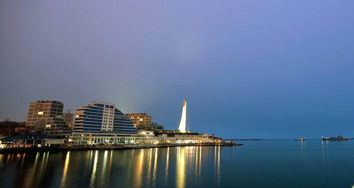 Vista para cidade crimeana de Sebastopol, foto de arquivo de 7 de março de 2014