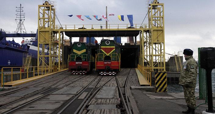 Novas instalações portuárias para a ferrovia que liga a China à Europa foram inauguradas no porto do mar Negro de Ilyichevsk no distrito de Odessa, Ucrânia, 15 de janeiro de 2016