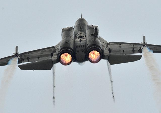 Um voo de demonstração do caça russo da geração 4++ MiG-35