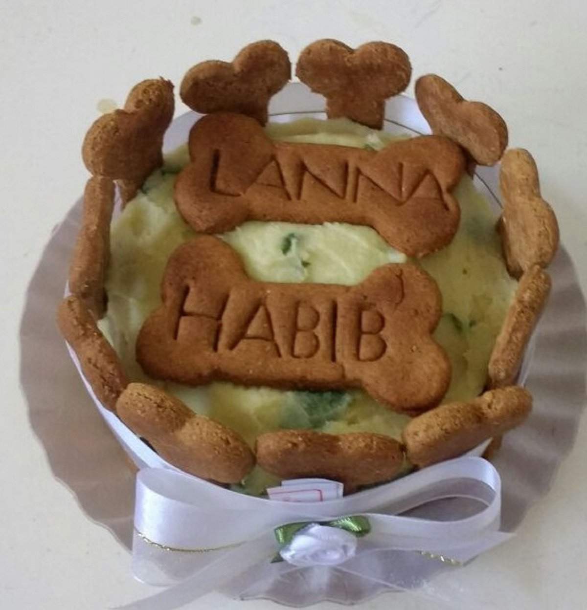 A festa de casamento teve biscoitos personalizados