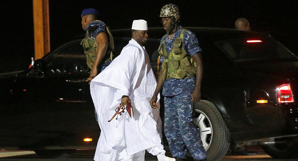 Ex-presidente da Gâmbia, Yahaya Jammeh, deixa país, 21 de janeiro de 2017