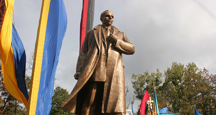 Inauguração do monumento a Stepan Bandera, líder ideológico da Organização dos Nacionalistas Ucranianos, em Lviv (Ucrânia)