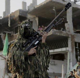 Militantes do barço armado do Hamas na Faixa de Gaza