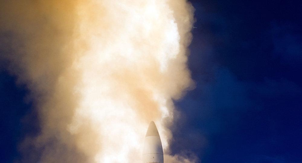 Míssil norte-americano Sm-3II passa testes