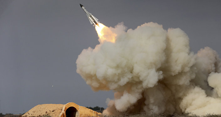 Irã teste míssil de médio alcance S-200 na costa do golfo Pérsico
