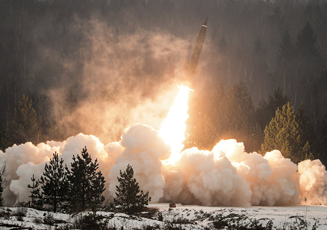 Lançamento do sistema de mísseis táticos Tochka-U (foto de arquivo)