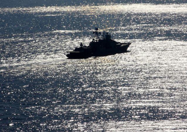 Cruzador nuclear pesado russo Pyotr Velikiy no Mediterrâneo