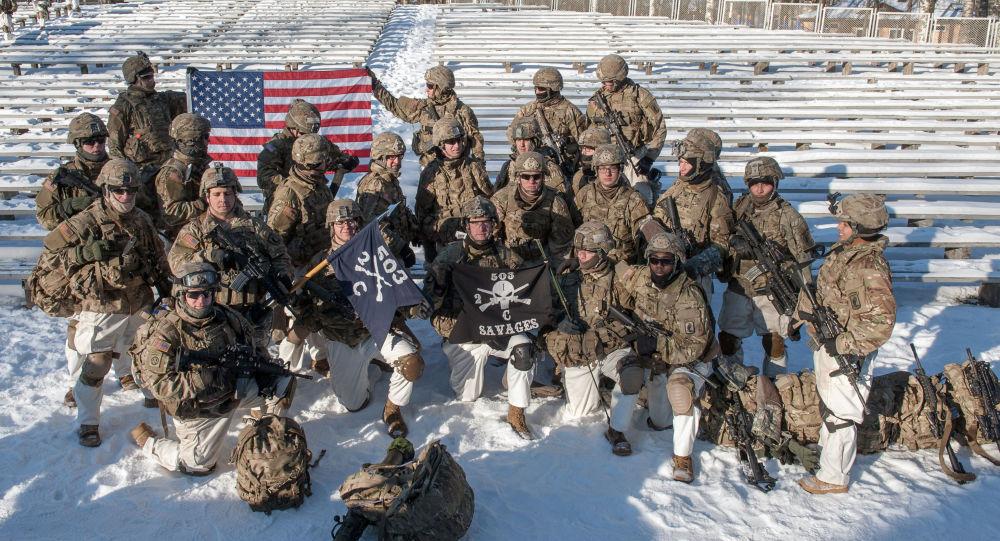 Militares americanos durante a demonstração de material militar e armamento da OTAN na Letônia (arquivo)