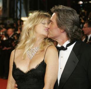 Atores americanos Goldie Hawn e Kurt Russell