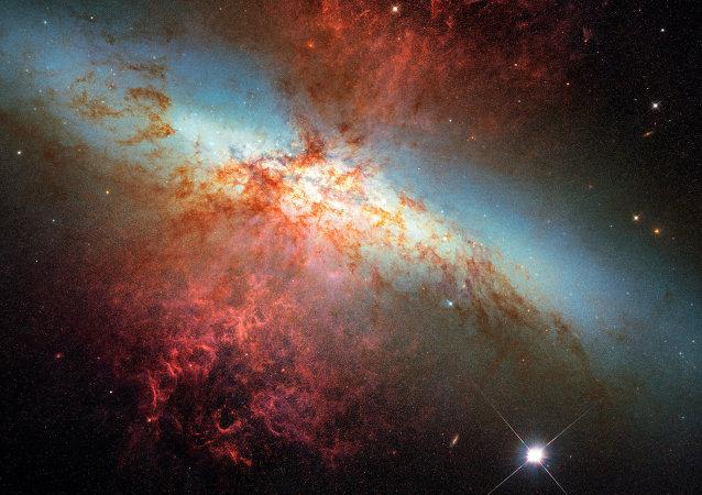 Supernova na galáxia M82