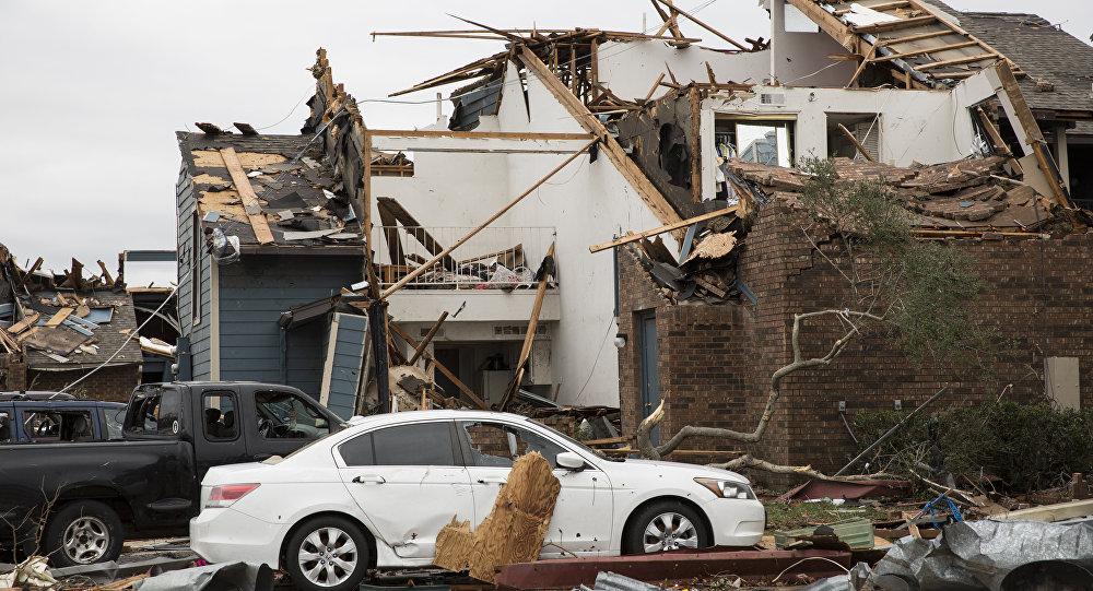 Consequências de tornado no Texas, EUA