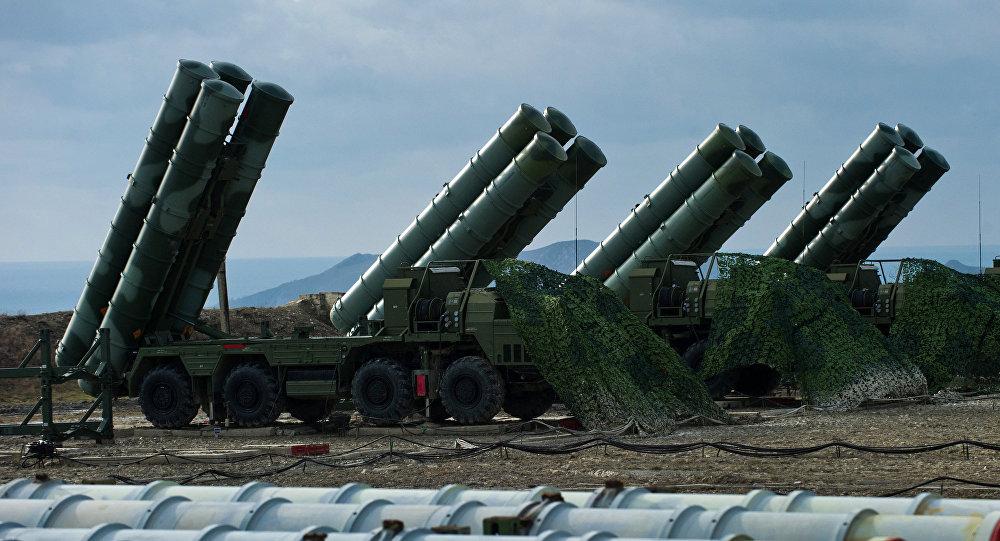Regimento S-400 começa a operar na Crimeia