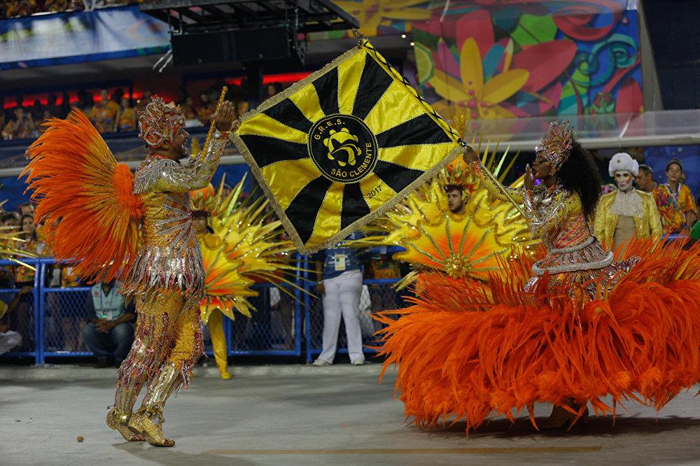 São Clemente contou a história de um grande baile na Corte do rei francês Luís XIV