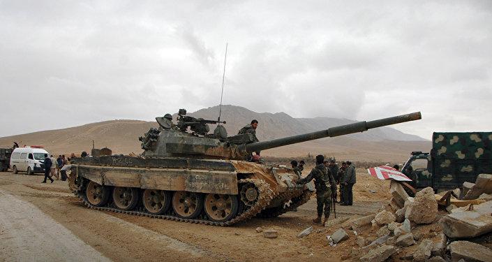 Exército sírio toma uma posição enquanto avança em direção à antiga cidade de Palmira, 2 de março de 2017
