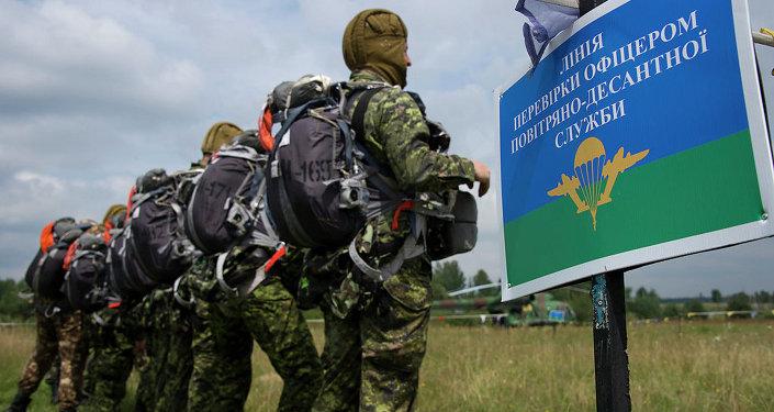 Soldados canadenses durante participação em exercícios militares na cidade de Yavoriv, na Ucrânia (Arquivo)