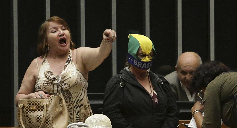 Chanceler da Venezuela diz que Brasil é uma 'vergonha mundial'