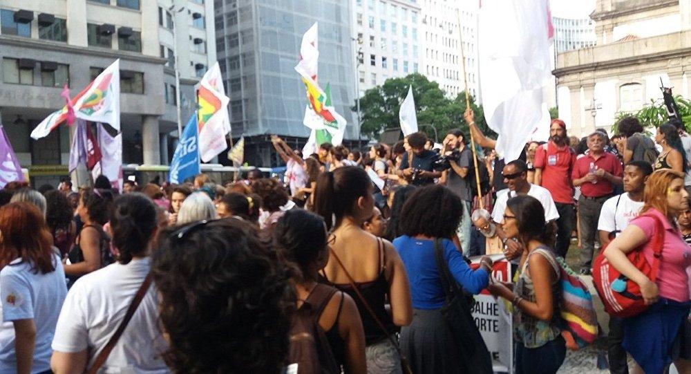 Manifestação no Rio de Janeiro pelo Dia Internacional da Mulher