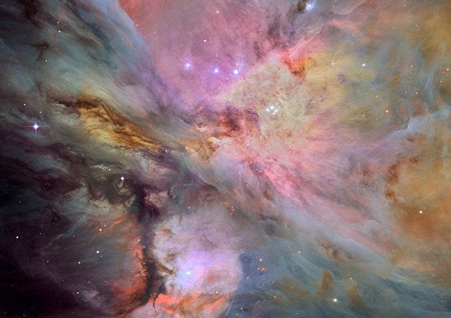 Poeira, gás e estrelas na nebulosa de Orion