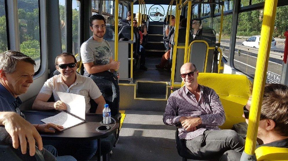Professores da UFSC fazem viagem experimental do E-BUS