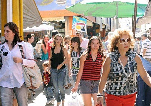 8 em cada 10 mulheres querem municípios mais igualitários, aponta pesquisa Ibope/ONU Mulheres
