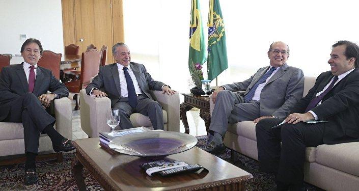 Michel Temer recebe, no Palácio do Planalto, Eunício Oliveira, Gilmar Mendes e Rodrigo Maia