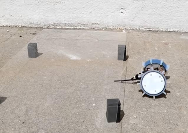 O aparelho Pop-Up Flat Folding Explorer Robots (PUFFER em inglês) da NASA
