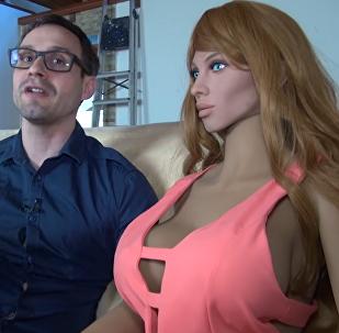 Primeira boneca inflável com inteligência artificial Samantha